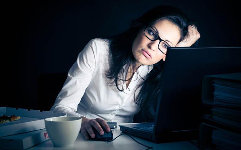 Tác hại của việc thức khuya đối với cơ thể